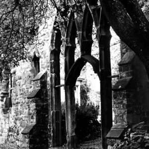 p023-orchard-finchfield-road-church-arch