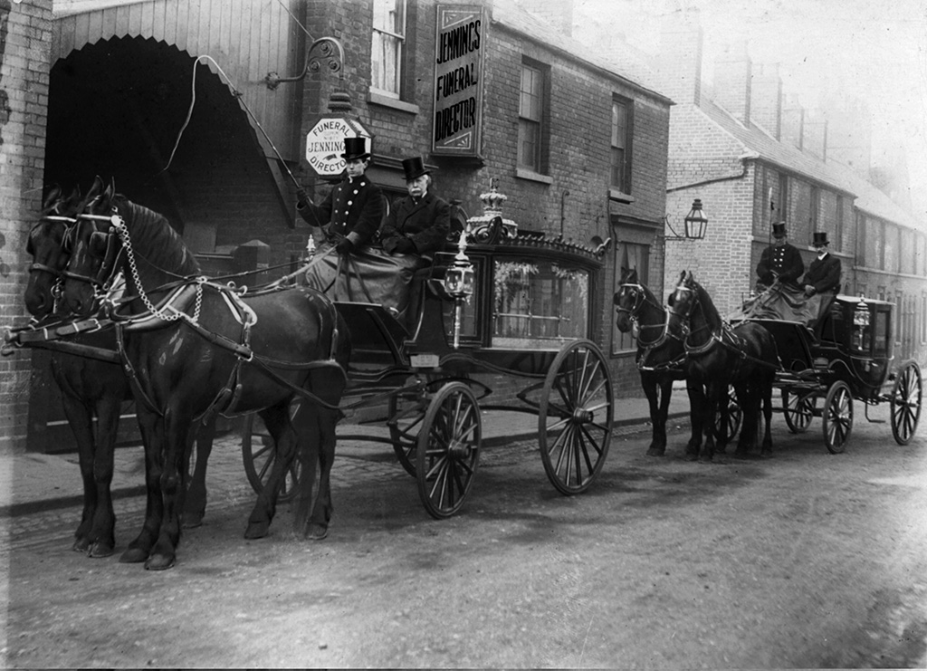 Jennings hearse, shown at a later date in St James's Street.