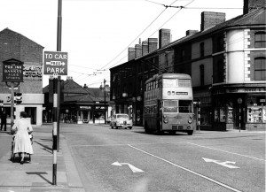 p031-fox-sign-worcester-street-penn-juction-circa-1950s