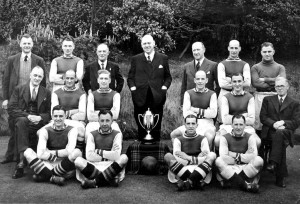 p036-aston-villa-football-team-1939-1945-war-team